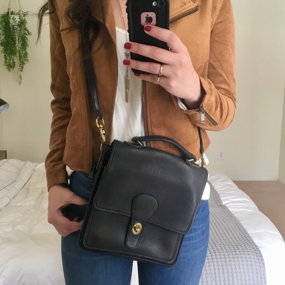 95b1f3e0b2d7 Coach Handbags - Vintage Coach USA Willis Station Crossbody Bag